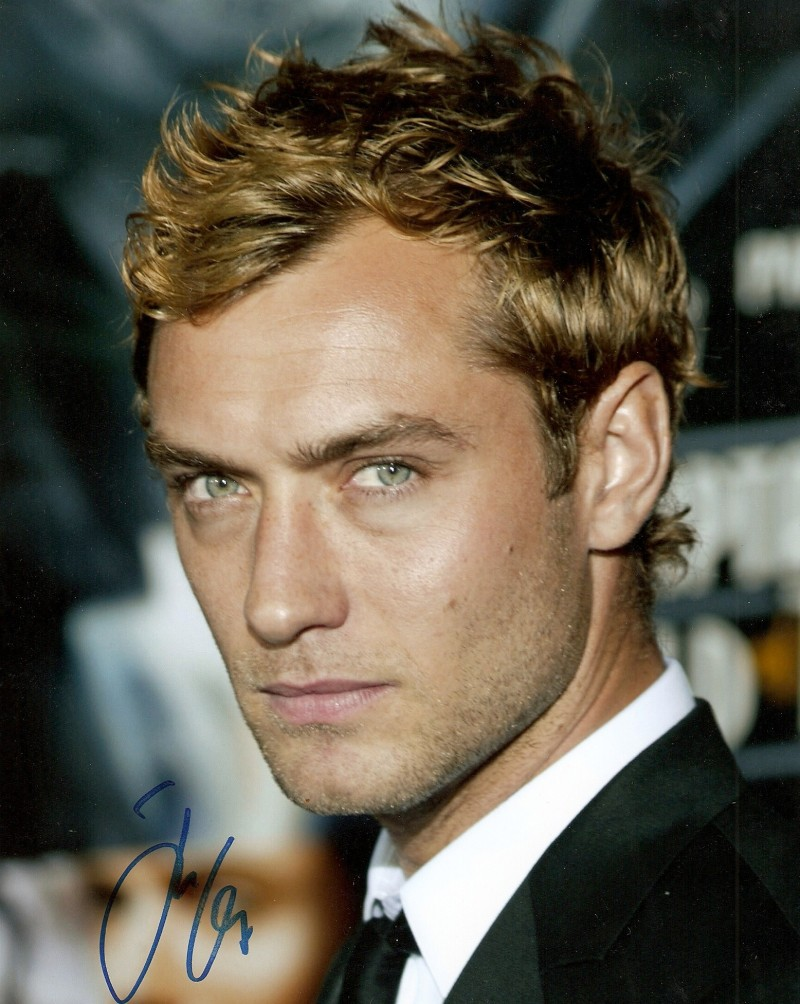 Is Jude Law Hot in THE HOLIDAY? – Wow! It's Wednesday! [BEST OF FaN]