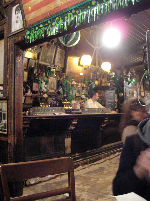 One Of America S Oldest Bars Mcsorley S Serves Up A Glass
